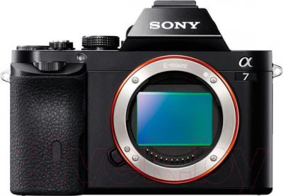 Зеркальный фотоаппарат Sony ILCE-7B - вид спереди