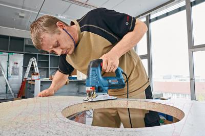 Профессиональный электролобзик Bosch GST 160 BCE Professional (0.601.518.000) - в работе