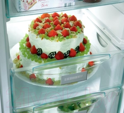 Холодильник с морозильником Liebherr CNef 3915
