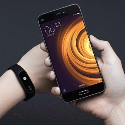 Фитнес-трекер Xiaomi Mi Band 2