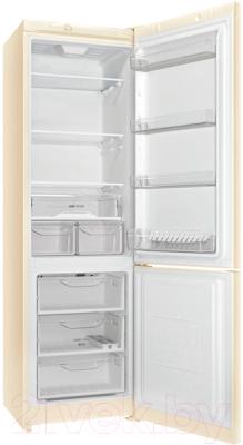 Холодильник с морозильником Indesit DS 4200 E