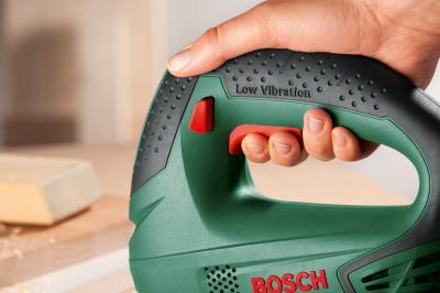 Электролобзик Bosch PST 650 (0.603.3A0.720) - в работе
