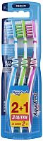 Зубная щетка Aquafresh In Between Clean средняя (3шт) -