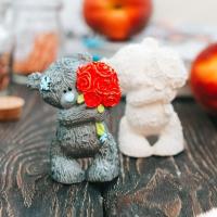 Статуэтка Нашы майстры Мишка с букетом 3 / 5065 (декорированная) -
