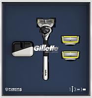 Набор косметики для бритья Gillette Fusion5 ProShield Chill бритва+3 сменных кассеты+подставка -