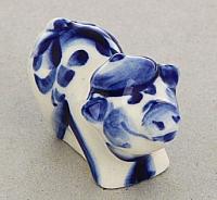 Статуэтка Yiwu Zhousima Craft Поросёнок в кепке / 1177169 -
