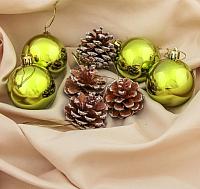 Набор ёлочных игрушек Зимнее волшебство Шишка / 3259763 (зеленый, 8шт) -