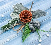 Декор Зимнее волшебство Шишка с черникой и ель / 3555478 -
