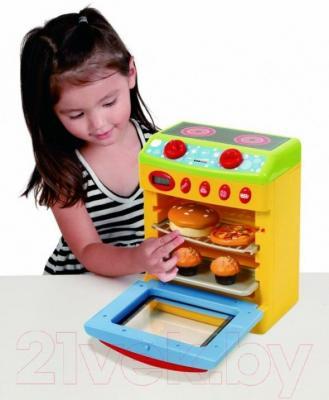 Игровой набор PlayGo Детская кухонная плита с аксессуарами (3208) - ребенок с игрушкой