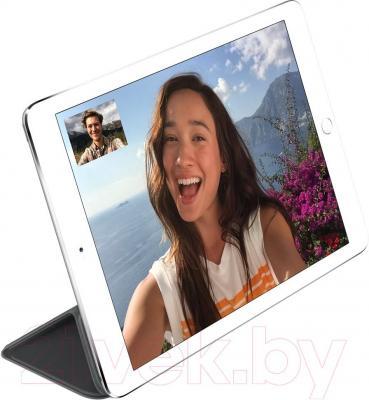 Чехол для планшета Apple iPad Air Smart Cover MGTM2ZM/A (черный) - пример использования